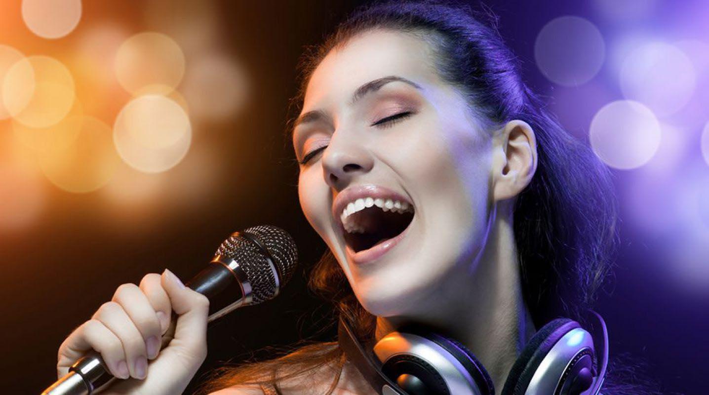 Популярные песни для девушек в караоке